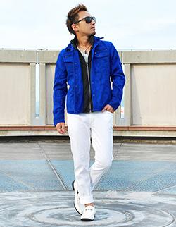 青シャツジャケット×白パンツコーデ