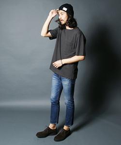 ニット帽×ビッグTシャツのビッグシルエットコーデ