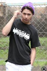 ニット帽×ビッグTシャツ