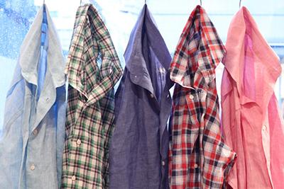 リネンシャツ×ネルシャツ