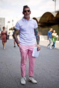 カラーパンツを合わせたポロシャツちょいワルコーディネート
