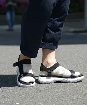 靴下×スポーツサンダル