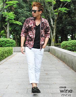花柄シャツ×白パンツコーデ