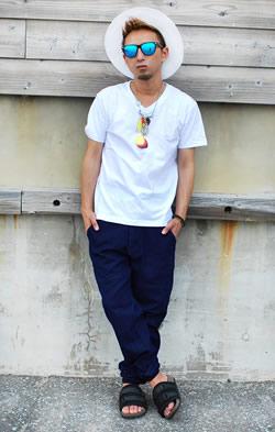 ロング丈ネックレスプリントTシャツ