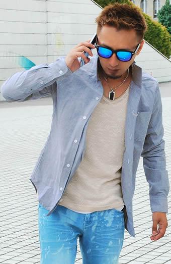 イタリアンカラーシャツ×長袖Vネックニットソー