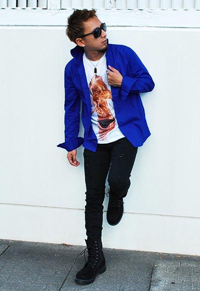 差し色にブルーのシャツを使ったキレイめコーデ