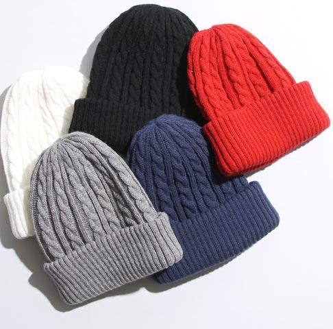 ニット帽はカラバリ豊富で好きな色を差し込める