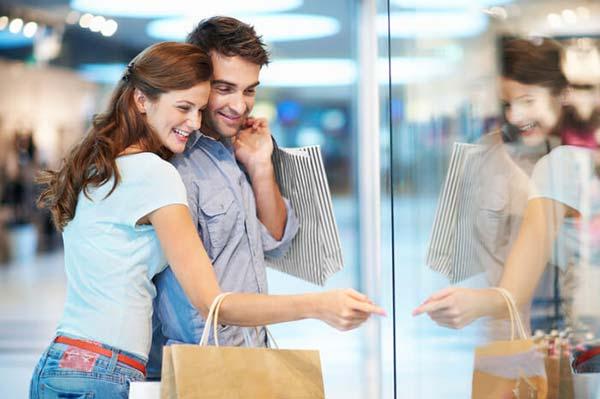 お買い物にオススメコーディネート