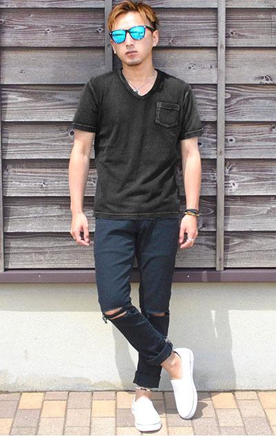 黒のインディゴTシャツ