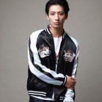 メンズスカジャンのおすすめ人気ブランド13選&着こなし方法