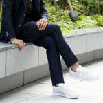スーツ、ジャケパンに似合うおすすめスニーカー。メンズコーデや着こなし方