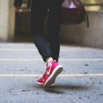 赤いスニーカーが最高にかっこいい!メンズコーデ&オススメ人気ブランド